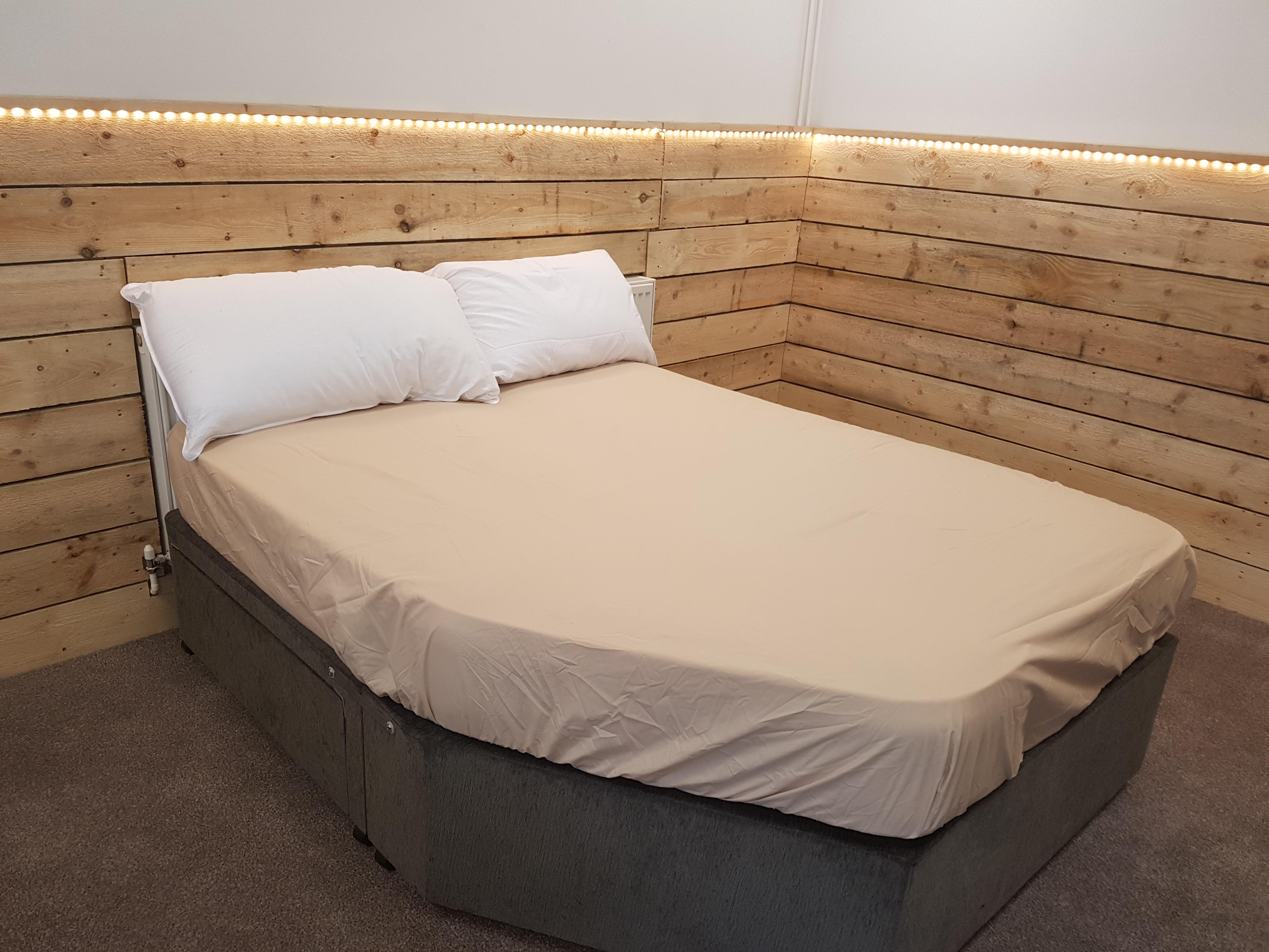 coachman vision fitted sheet cheap caravan mattresses. Black Bedroom Furniture Sets. Home Design Ideas